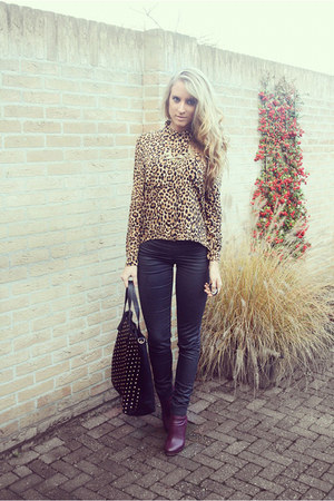 leopard H&M Devided blouse - burgundy H&M boots - studded bag Moda Mia bag