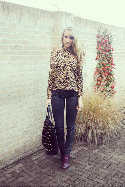 leopard H&amp;M Devided blouse - burgundy H&amp;M boots - studded bag Moda Mia bag