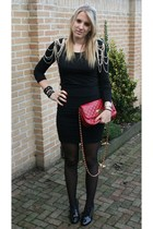 red Primark purse - black DIY chained shoulder shirt  h&m shirt shirt - black H&