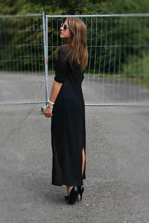black maxi vintage blouse - black van haren heels