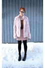 Light-pink-pink-rabbit-fur-coat-bronze-leopard-print-shirt