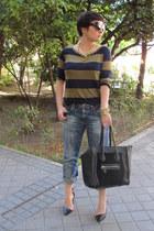 Zara jeans - Mango t-shirt - Zara heels - Teria Yabar necklace
