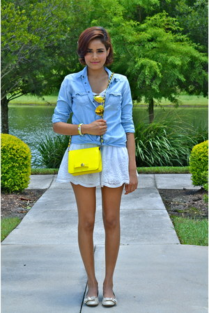 yellow Darling Clothes purse - light blue American Eagle shirt