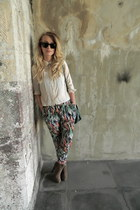 print Mango pants - swede Miss Selfridge boots - green H&M bag