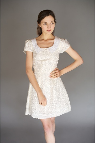 cream peterpan collar Alyssa Nicole dress