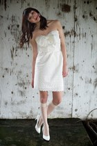 Cream-alyssa-nicole-dress-white-vintage-heels
