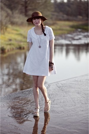 white Alyssa Nicole dress - dark brown thrifted hat - light brown flatforms Urba