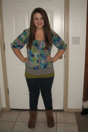 blue Forever 21 cardigan - green Rubbish top - blue Forever 21 jeans - brown Emu