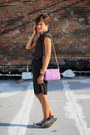 Black-polka-dot-dress-light-purple-bag-heather-gray-converse-sneakers