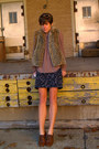 Vest-brown-call-it-spring-shoes-black-f21-skirt-tan-blouse