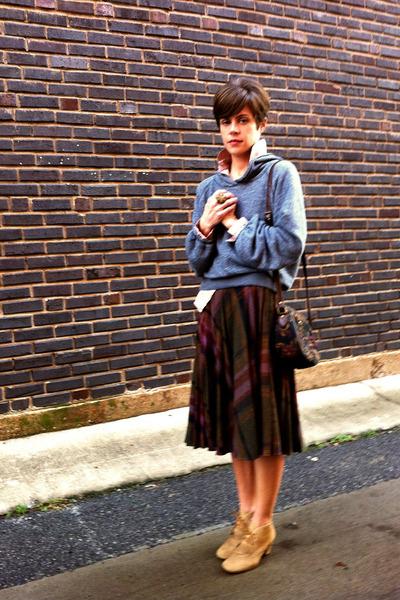 heather gray sweatshirt - light brown H by Hudson boots