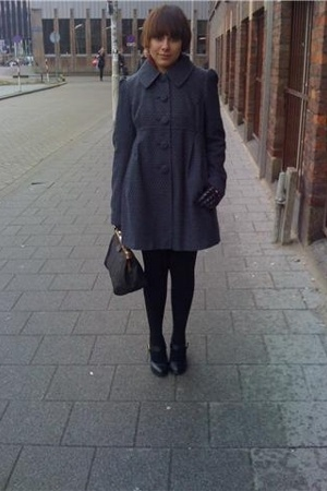 ca coat - second hand gloves - random stockings - Primark shoes - second hand pu
