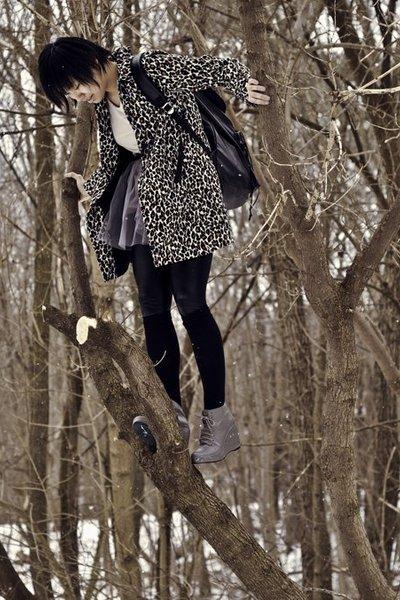 Forever21 coat - beige shirt - black leggings - gray skirt - black socks - gray