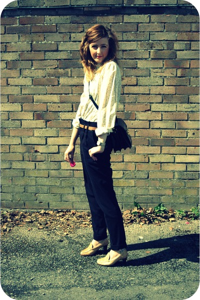 navy vintage bag - black high waisted Zara pants - camel vintage blouse - light
