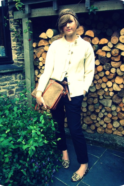 beige vintage cardigan - black Zara pants - brown Zara shoes - brown Chanel purs