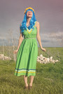 Chartreuse-vintage-dress-blue-wig-wonderland-wigs-hat