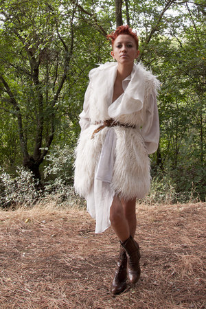 white BLANCO vest - white Vogue boots - brown vintage belt