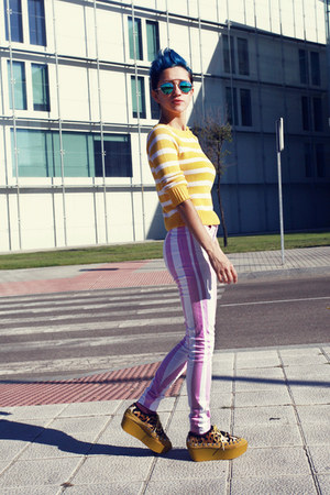 striped Motel Rocks jeans - Lefties sweater - giant vintage sunglasses