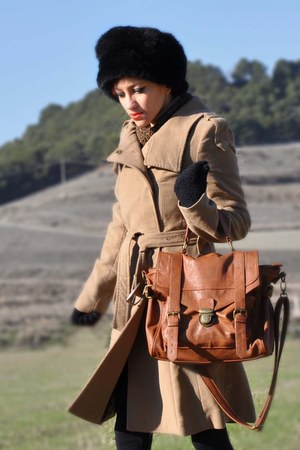 bronze vintage dress - camel Mango coat - black gift hat - tawny BLANCO bag - bl