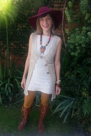 crochet cream vest - boots - dress - burgandy boho hat - hue deep gold tights