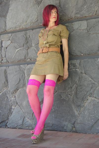 stockings - khaki dress - animal print wedges