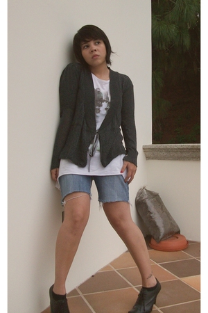 sweater - pull&bear t-shirt - shorts - aldo nero shoes