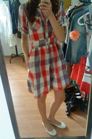 white H&M shoes - red River Island dress
