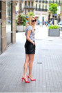 Red-stradivarius-heels-black-mango-skirt-silver-zara-t-shirt
