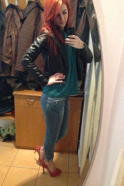 sky blue denim Zara jeans - black leather Lee Cooper jacket - teal top