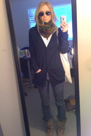 American Apparel jacket - Steve Madden boots - Lucky Brand scarf - Ray Ban sungl