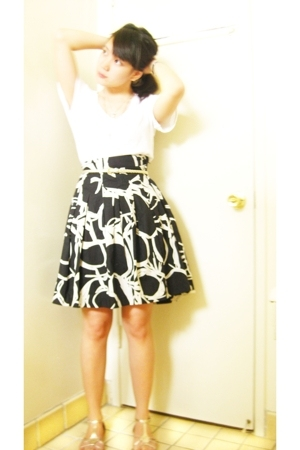 Forever21 top - H&M belt - H&M skirt - Urban Outfitters shoes - forever 21 acces