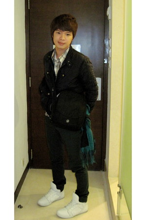 white supra shoes - green Guess jeans - black Zara jacket - dark green Levis shi