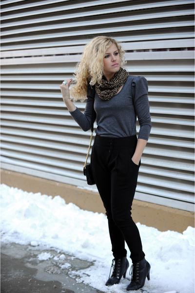 black BCBG pants - black deena and ozzy boots - black Marc Jacobs purse