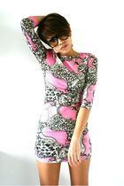 pink River Island dress