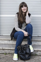 black Vero Moda vest - blue GINA TRICOT jeans - black Chicwish bag