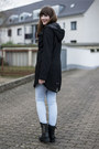 Black-duffy-boots-black-romwe-jumper