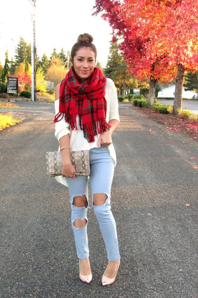 ruby red Chicwish scarf - light blue Choies jeans - nude pumps