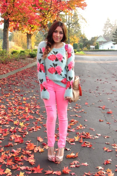 bubble gum Chicwish sweater - nude Jessica Simpson heels