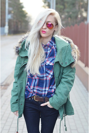 parka jacket - tartan shirt