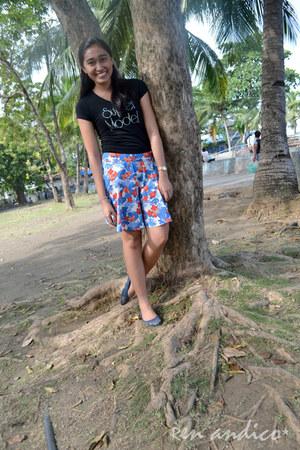 black BNY shirt - blue Just G skirt - black sandals