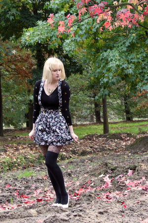 white Skills shoes - black vintage sweater - black dotted H&amp;M tights
