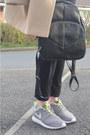 Camel-thrifted-coat-black-ebay-jeans-black-h-m-hat-black-ebay-bag
