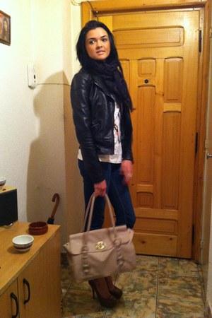 black Zara jacket - navy skinny Zara jeans - white Stradivarius shirt