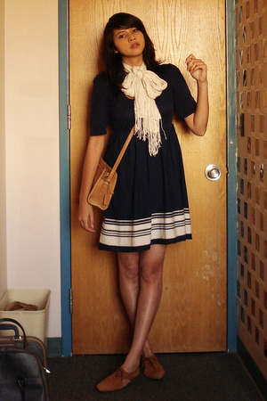 h&amp;m via thrift town dress - salvation army scarf - flea market purse - thrift to