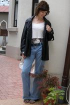 black coat - white blouse - blue kenvelo belt - blue AGS jeans - white simone to