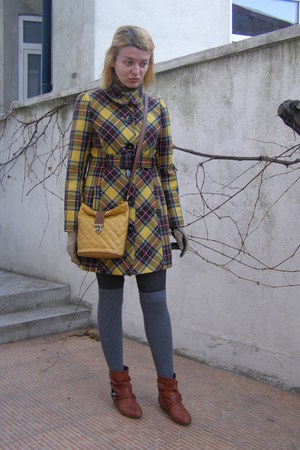 yellow Tara coat - burnt orange Meravigliosa by Leonardo boots