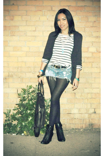 black f21 boots - white H&M shirt