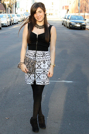 Dolce Vita dress - Bakers boots - H&M tights - Old Navy bag - Forever21 necklace