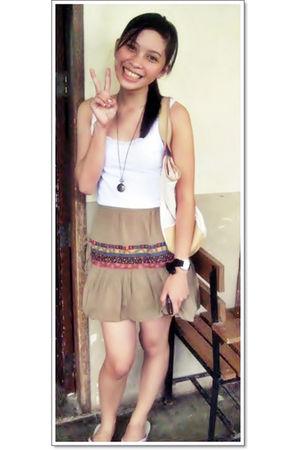 white random brand blouse - brown from a vintage shop skirt - brown vintage neck