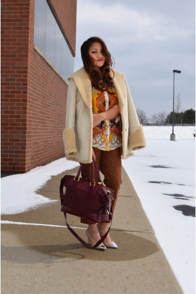 fur trim calvin klein coat - maroon Diane Von Furstenburg bag